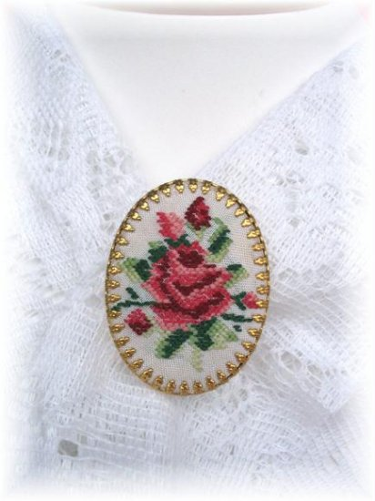 Pettipoint Rose Vintage jewelry Pin