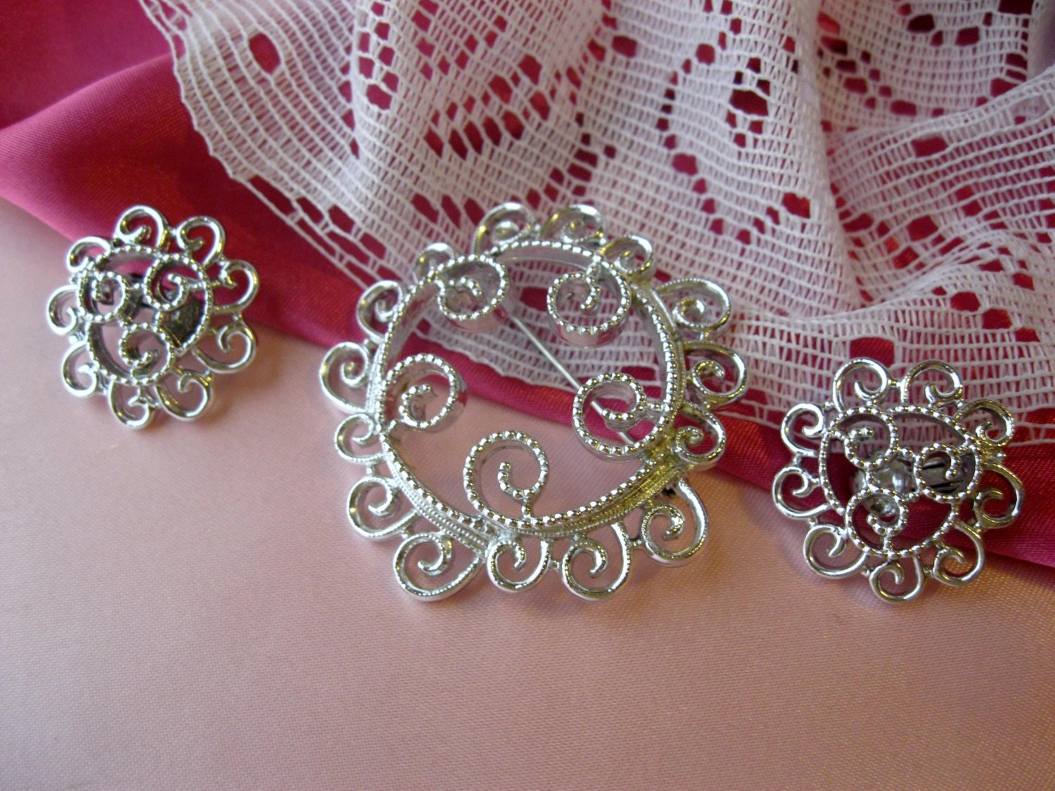 SARAH COVENTRY SILVERY MIST demi parure earrings pin
