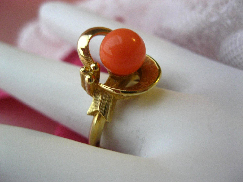 Avon Faux Coral Vintage Signed Ring Spindrift 1975 Adjustable