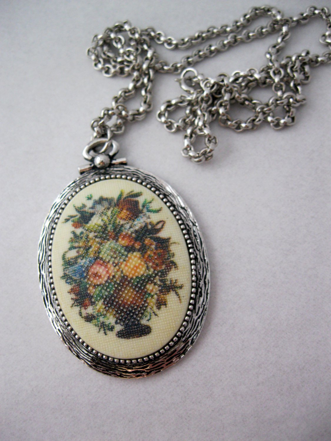 "Vintage Sarah Coventry Necklace ""Tapestry"""