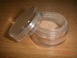Bare Escentuals Foundation SPF15 shade Medium  (Trial size)