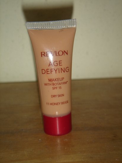 Revlon Age Defying Makeup Foundation SPF 15 For Dry SKin