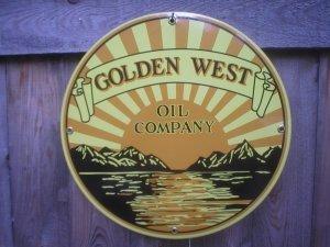 GOLDEN WEST OIL PORCELAIN-COATED SIGN METAL ADV SIGNS G