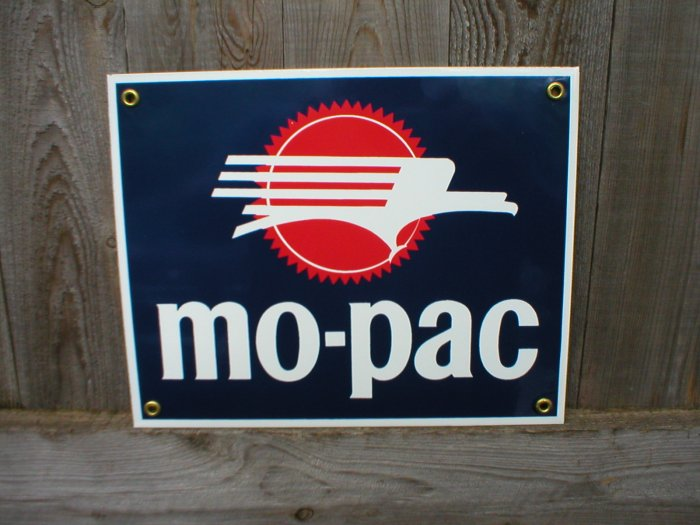 MO-PAC PORCELAIN-COATED RAILROAD SIGN M