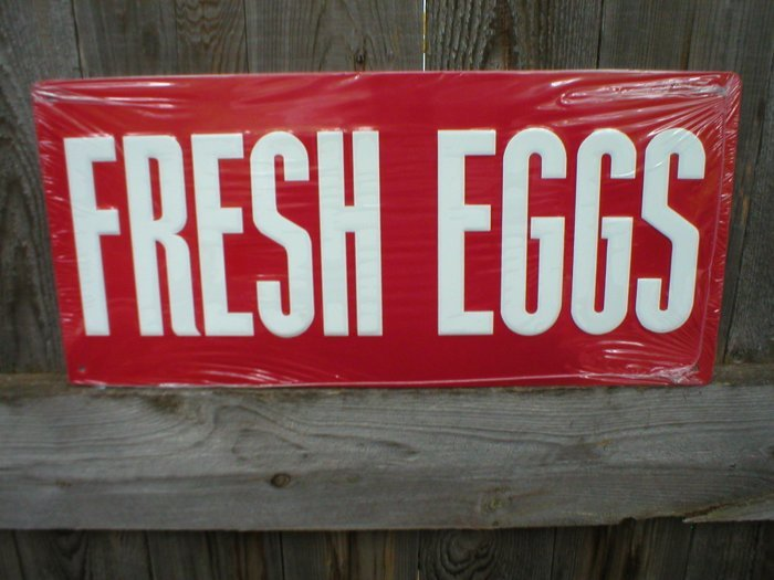RED FRESH EGGS TIN SIGN METAL RETRO AD SIGNS