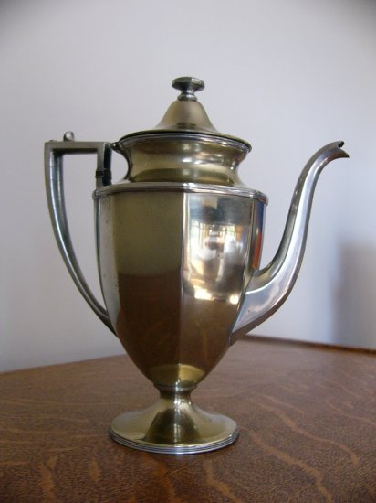 SHEFFIELD USA Silverplate COFFEE POT pattern NO 0606 circa 1930 - 1940