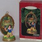 Disney Snow White Princess Hallmark Ornament Enchanted Memories 1998 MIB