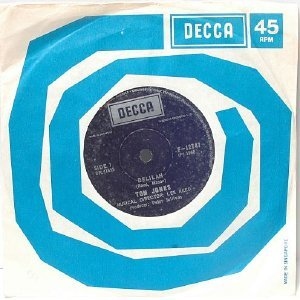 "TOM JONES Delilah Smile SINGAPORE DECCA  7"" 45 RPM"