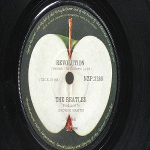 "BEATLES Revolution  JOHN LENNON New Zealand HMV  7"" 45 RPM"