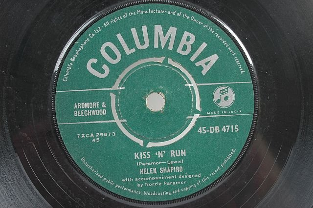 "HELEN SHAPIRO Kiss N Run ASIA 7"" 45 Rpm - INDIA"