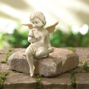 Cherub/Angel With Dove (30114)