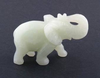 Elephant with rising trunk - New