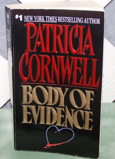 Body Of Evidence by Patricia Cornwell FREE Shipping to US