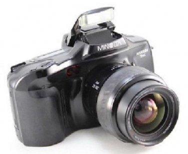 Minolta Maxxum 7xi 35mm SLR Camera + 28-80mm Lens + Bag+ Strap