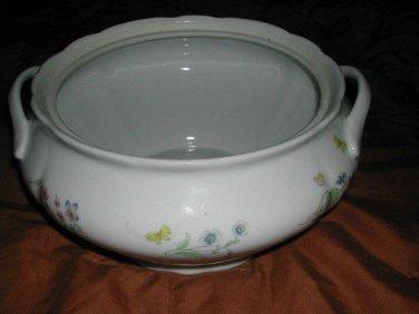 BIA International Cordon Bleu Soup Tureen Bowl Trellis Flowers Pattern 4 Quart