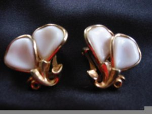 Precious ~ Porcelain Petals crown Trifari Dainty Clip Earrings
