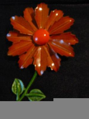 Mod ~ Burnt Umber Enamel vintage 60s Daisy Pin / Brooch