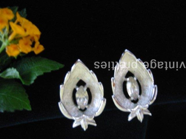 """Crystal Navette"" ~ Silver-tone Rhinestone Sarah Coventry clip Earrings"
