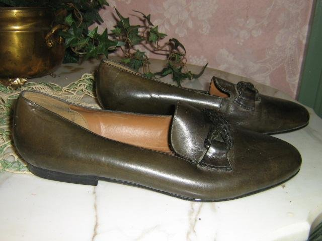Darling vintage Bass ~ Classic Ladies loafer shoes 9M