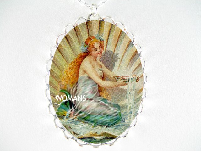 VICTORIAN MERMAID SEASHELL CAMEO PORCELAIN  NECKLACE