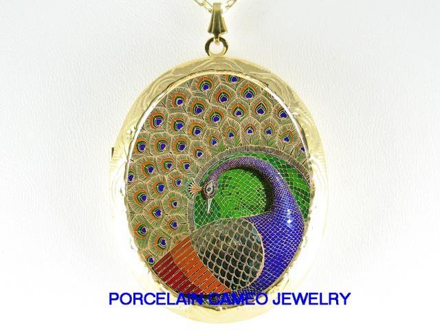 MOSAIC DESIGN GOLDEN PEACOCK PORCELAIN CAMEO LOCKET