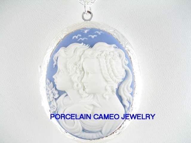 VICTORIAN BLUE 2 TWIN SISTERS BEST FRIENDS VINTAGE CAMEO LOCKET NECKLACE