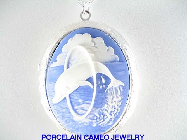 3D HAPPY BLUE DOLPHIN JUMP LOOP CAMEO LOCKET NECKLACE