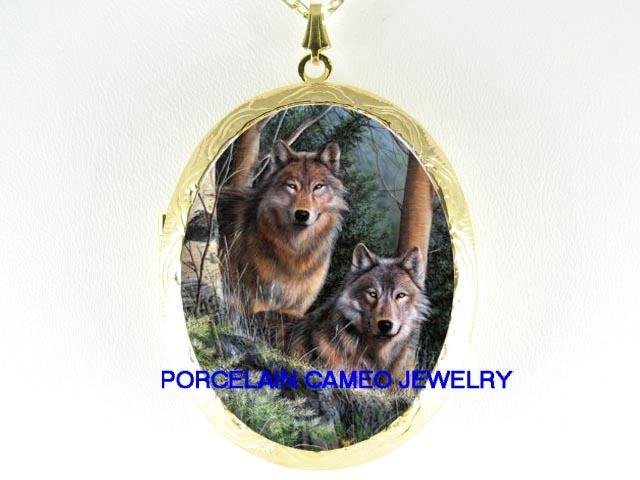 2 WOLF WOLVES IN THE FOREST PORCELAIN CAMEO LOCKET NK