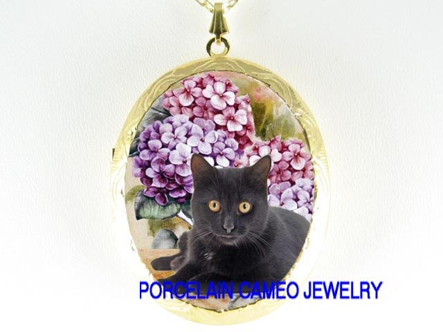 BLACK CAT PURPLE PINK HYDRANGEA CAMEO PORCELAIN LOCKET