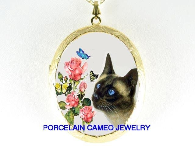 BLUE EYES SIAMESE CAT ROSE BUTTERFLY CAMEO LOCKET NK