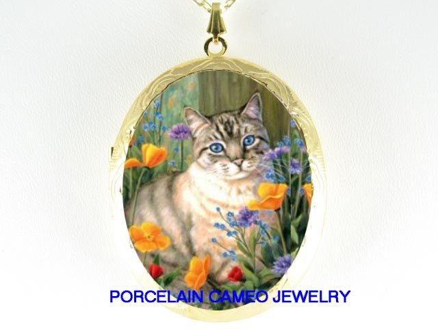 GREY CAT BLUE EYE FLOWER CAMEO PORCELAIN LOCKET NK