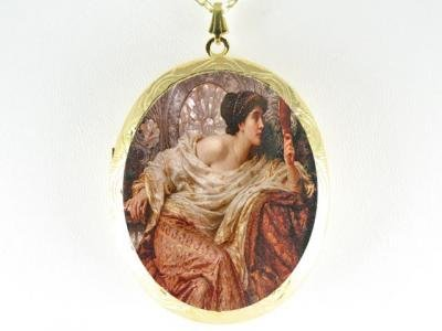 RENAISSANCE YOUNG PRINCESS MIRROR CAMEO LOCKET NECKLACE