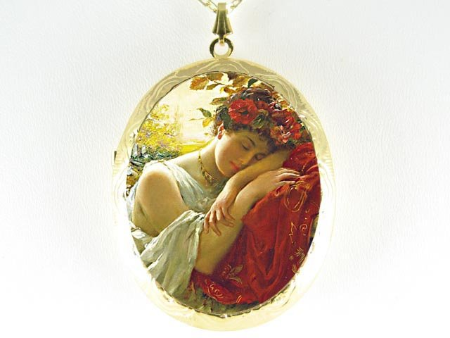 RENAISSANCE SLEEPING BEAUTY *  CAMEO PORCELAIN LOCKET NECKLACE