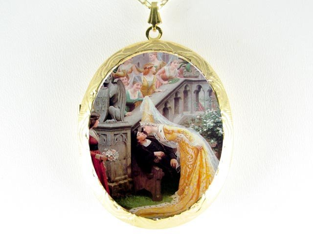 RENAISSANCE WEDDING BRIDE CAMEO PORCELAIN LOCKET NECKLACE