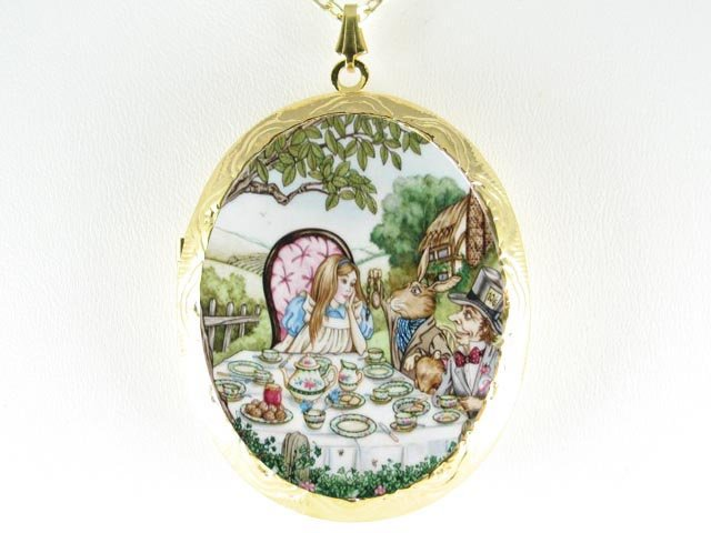 ALICE IN WONDERLAND PORCELAIN CAMEO LOCKET NECKLACE