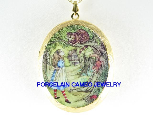 ALICE IN WONDERLAND CHESHIRE CAT SQUIRREL CAMEO LOCKET