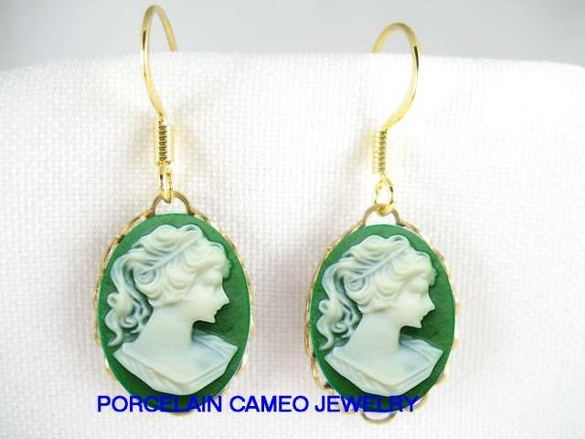 RARE VICTORIAN IRISH GREEN PONYTAIL LADY 3D VINTAGE CAMEO EARRINGS