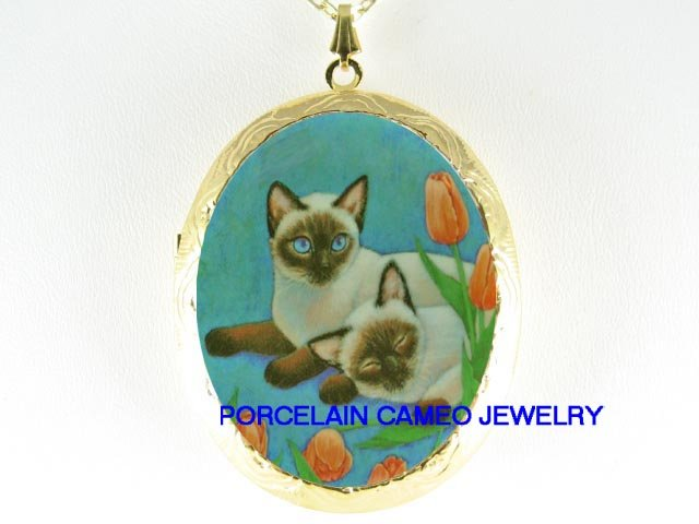 2 BLUE EYE SIAMESE CAT WITH TULIPS *  CAMEO PORCELAIN LOCKET NECKLACE