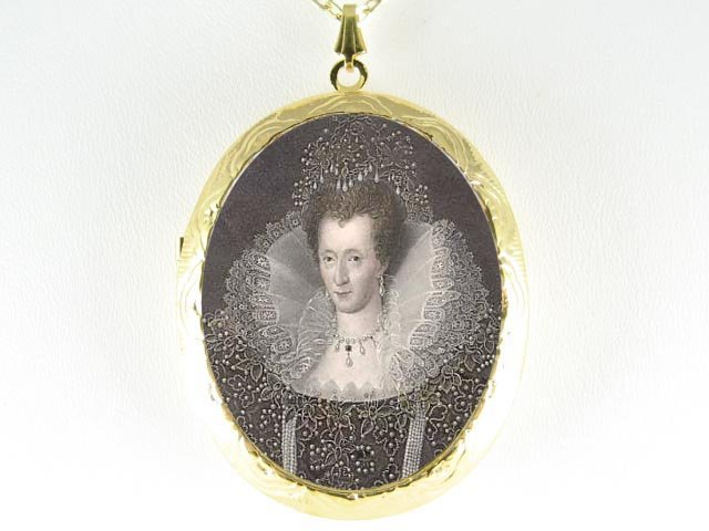 JEWELED QUEEN ELIZABETH CAMEO PORCELAIN LOCKET NECKLACE
