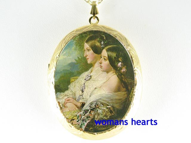 QUEEN VICTORIA SISTER CAMEO PORCELAIN LOCKET NECKLACE