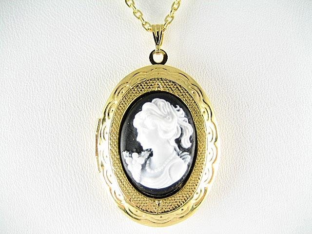 VICTORIAN BLACK WHITE ROSE LADY VINTAGE CAMEO LOCKET NK