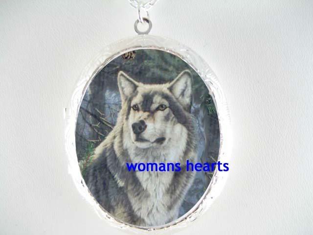 HUNTING GRAY WOLF SNOW FOREST PORCELAIN CAMEO LOCKET