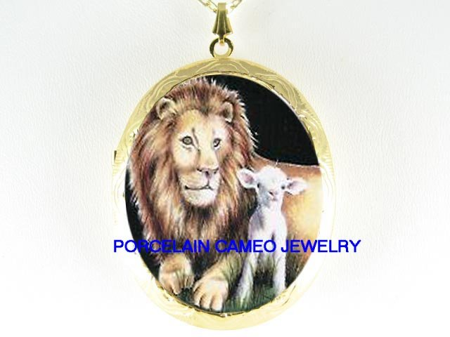 CHRISTIAN LION & LAMB CAMEO PORCELAIN LOCKET NECKLACE