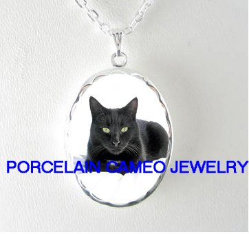 GREEN EYES BLACK CAT PORCELAIN CAMEO LOCKET NECKLACE