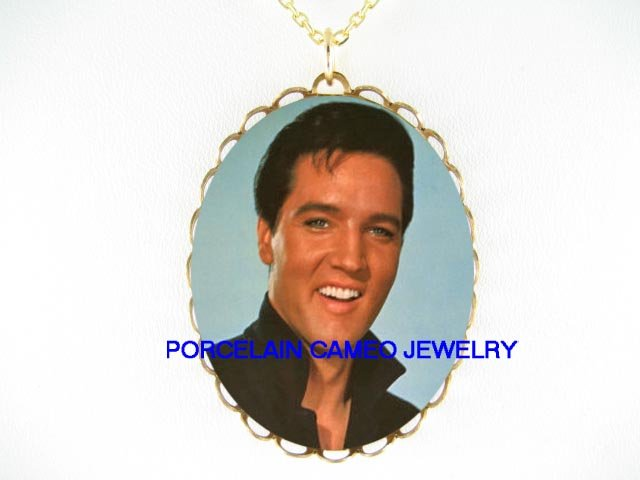 SMILING ELVIS PRESLEY * CAMEO PORCELAIN NECKLACE