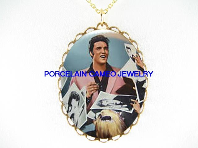 ELVIS PRESLEY WITH FANS* CAMEO PORCELAIN NECKLACE