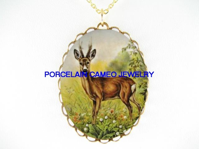DEER IN THE FILED WILD FLOWER* CAMEO PORCELAIN NECKLACE
