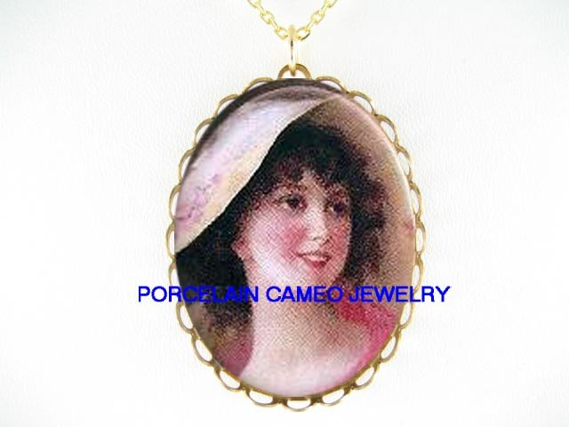 VICTORIAN SMILING LADY WITH HAT * CAMEO PORCELAIN NECKLACE