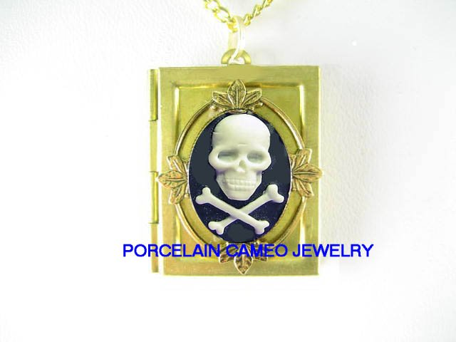 3D BLACK WHITE SKULL GOTH PIRATE PUNK  VINTAGE CAMEO BOOK LOCKET NECKLACE