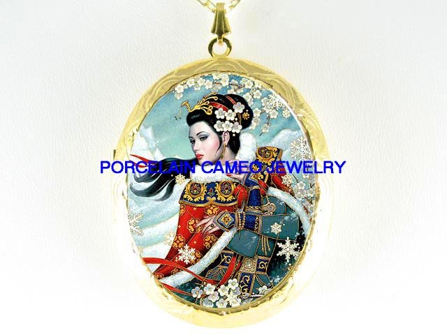 ORIENTAL LADY WITH CHERRY BLOSSOMS  *  CAMEO PORCELAIN LOCKET NECKLACE